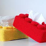 Boîte à mouchoir LEGO en crochet by Ahooka