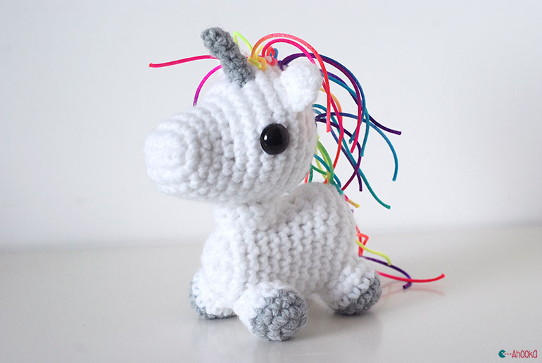 crochet unicorns by ahooka