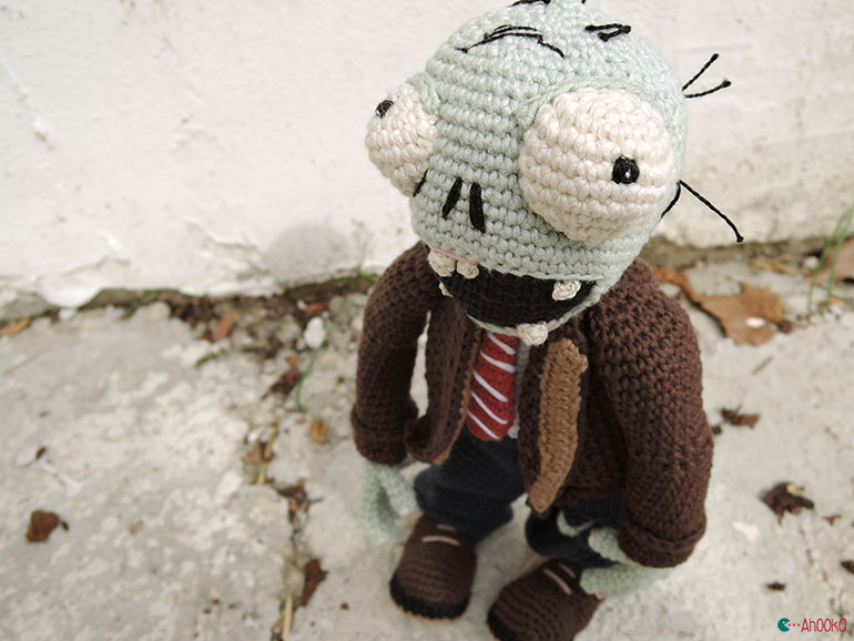 Amigurumi Zombie Pattern : A zombie in the backyard [crochet amigurumi ...