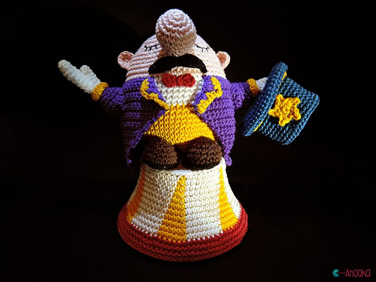 Ladies and ladies, welcome to Ahooka s crochet circus ...