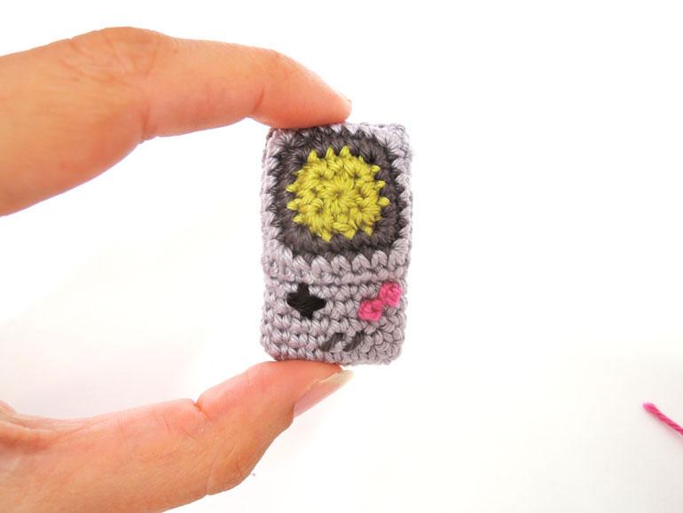 crochet game boy by ahooka